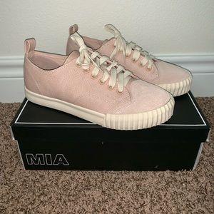 MIA Grayson Sneakers   NWT